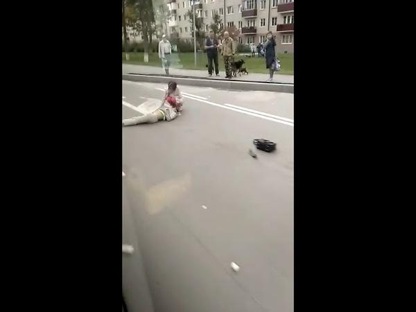 Fielder сбил женщину на проспекте Мира в Южно-Сахалинске