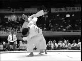 Karate is a martial art, not a sport! (Карате - это боевое искусство, а не спорт!)
