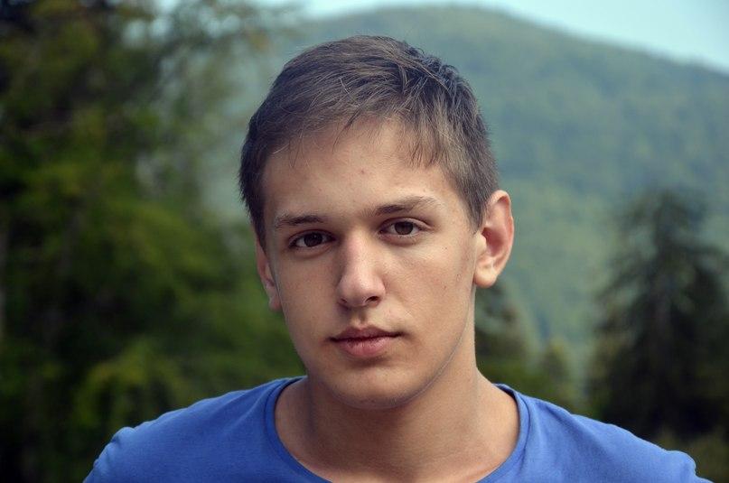 Виктор Субота |