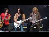 Thin Lizzy - The Boys Are Back In Town (with Vivian Campbell) (Live At Download Festival 2011)