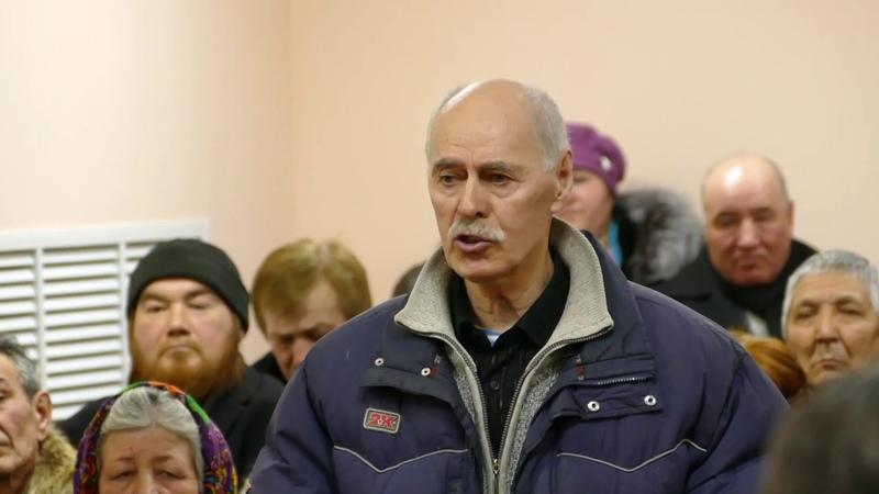 Исполняющий обязанности главы администрации Ишимбайского района Азамат Абдрахманов встретился с жителями д. Гумерово