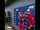 Мик Шумахер вручает Кими приз за поул на Гран при Италии Формула 1 2018