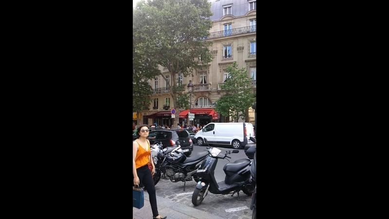 Ещё чуть Парижа