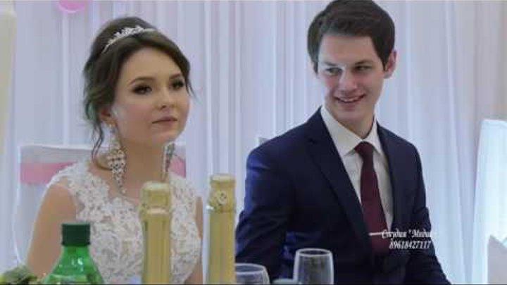 Гость спел на свадьбе в Элисте. Ведущий был в шоке