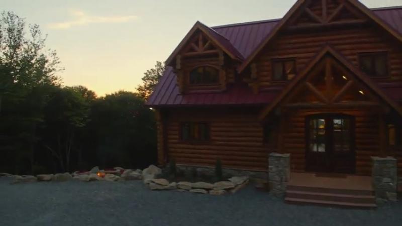 Отель Red Fox Lodge с прямым доступом к лыжным склонам недалеко от вершины знаме...