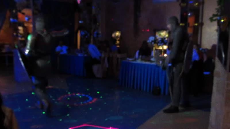 Показной бой на свадьбе. Семён Еретиков и Дмитрий Дмитриев.