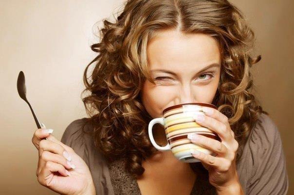 Наливаю кофе, достаю шоколадку, беру любимую книгу и закрываюсь на кухне на полчаса... - Маааам,ты что там делаешь? - Дети, я делаю для вас добрую маму.