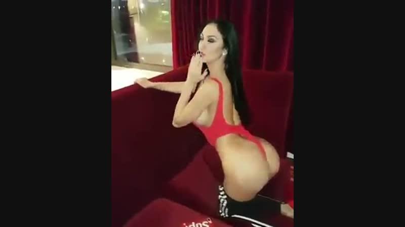 Роскошная брюнеточка (порно секс эротика попка booty anal анал сиськи boobs brazzers)