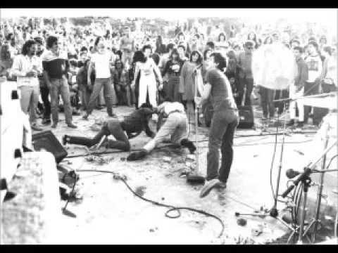 Black Flag - Live @ Pollywog Park, Manhattan Beach, CA, 72279 [KEITH MORRIS ON VOCALS]