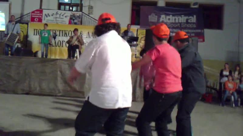 Σιαμίδης Κώστας Πρωτοχώρι 2011 Σέρρα ( Πυρρίχιος Χορός)