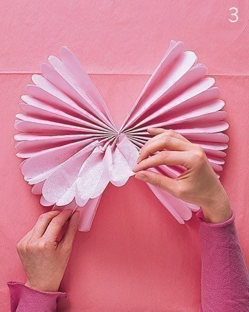 Бумажные помпоны для создания праздничной атмосферы