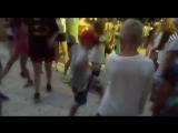 Угадайте, кто главная звезда лагерных дискотек -) -) -)