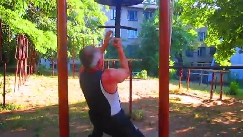 Упражнение-подтягивания под разными углами и разными хватами