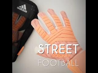 Видео обзор вратарских перчаток predator pro от street football