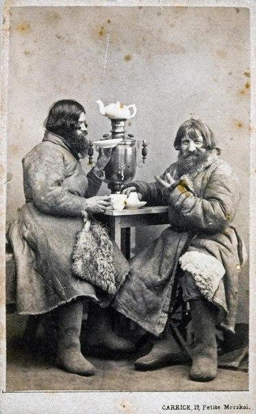 Довольные извозчики чаи гоняют. 1880-е годыРоссия
