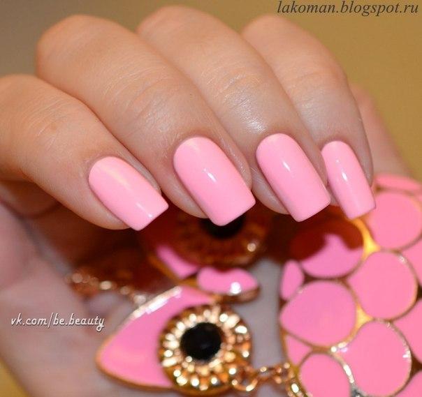 Нежный розовый дизайн ногтей