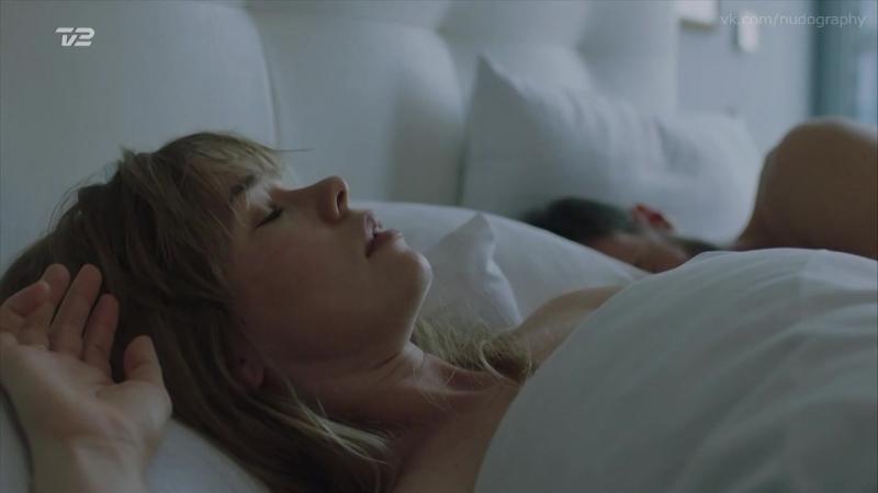 Биргитта Йорт Сёренсен (Birgitte Hjort Sorensen) голая в сериале Серая зона (Greyzone, 2018) s01e01 e03