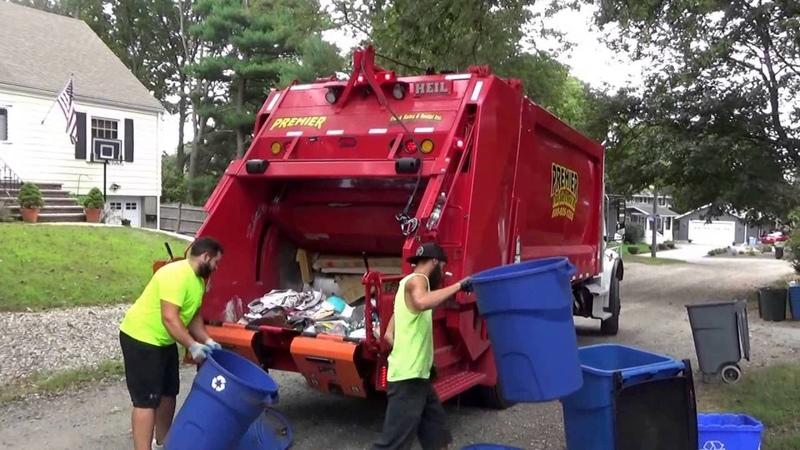 Casella Waste ServicesPremier Truck Rental 2723 ~ Freightliner M2106 Heil Durapack 5000 Rear Loader