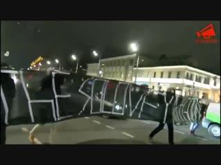 Оппозиционеры перекрыли Новинский бульвар с баннером с надписью «SOLOVEY MUST GO ON».