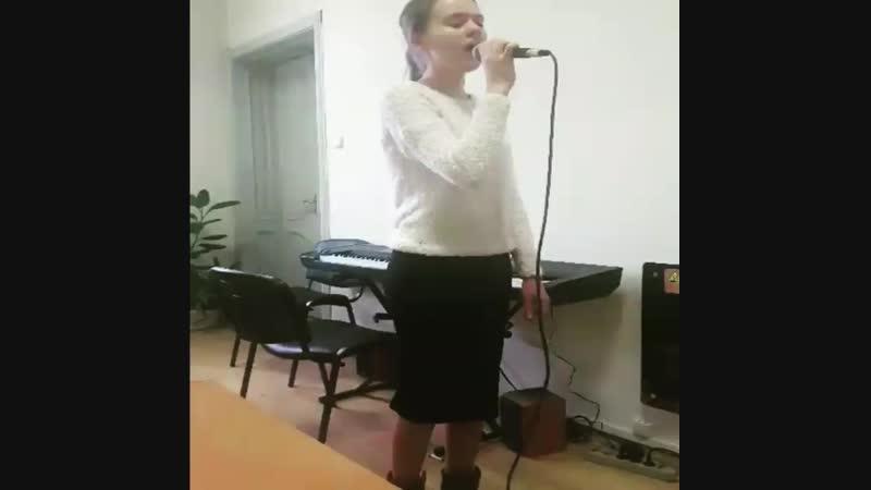 На уроке вокала с Ростиной Вокальная Студия MusicLife г Черновцы