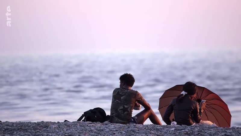 ARTE Regards - Comment une Italienne aide les réfugiés ARTE