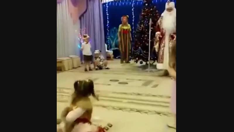 Новый год на грани срыва Дед Мороз умер…