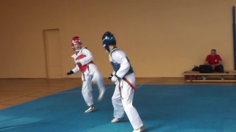 Руслан синий Дима красный кадеты 45 кг