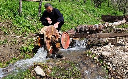 Гидроэлектростанция на ручье своими руками 104