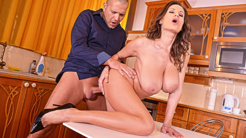 Hot Cougar Big Titted Mom Sensual Jane 1