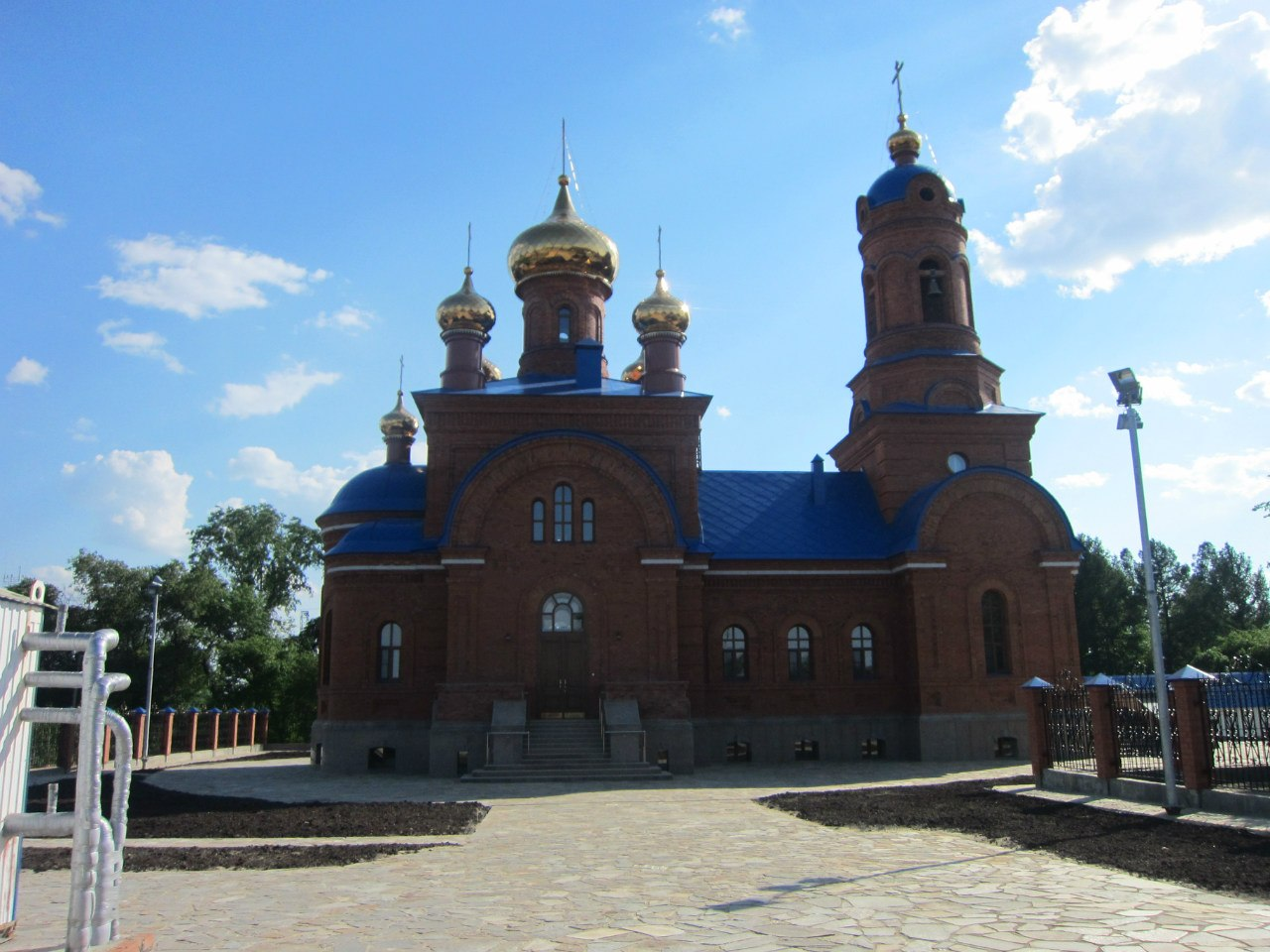 Церковь в Полетаево, северный фасад (03.07.2014)