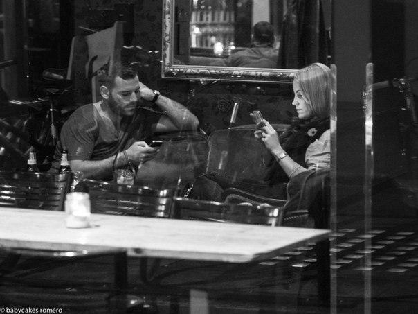 Современное общение: люди и их смартфоны