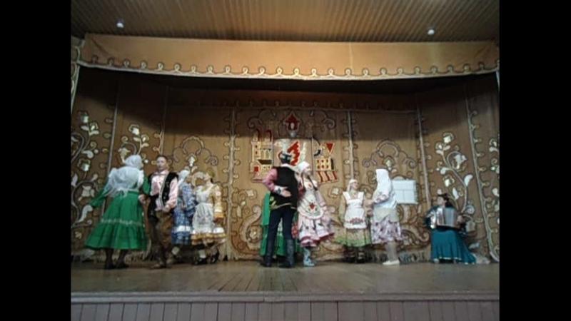 Айван мәдәният йорты фольклор коллективы Килен төшерү күренешеннән өзек.