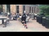 Танцующая бошка манекена(Flux Pavilion-Bass Cannon)