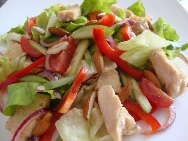 Легкий салат с курицей✌