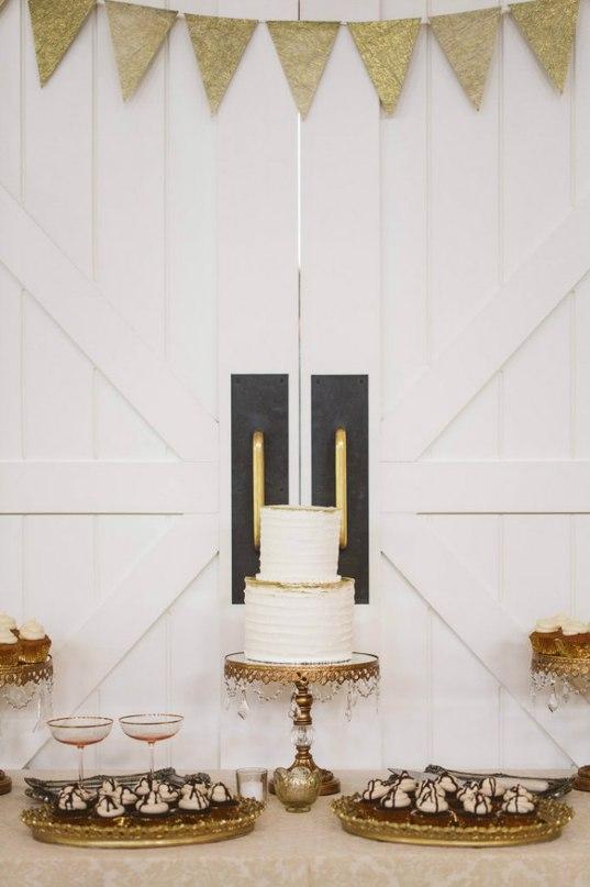 RcfH gJW7NQ - Золотые и серебряные свадебные торты 2016 (70 фото)