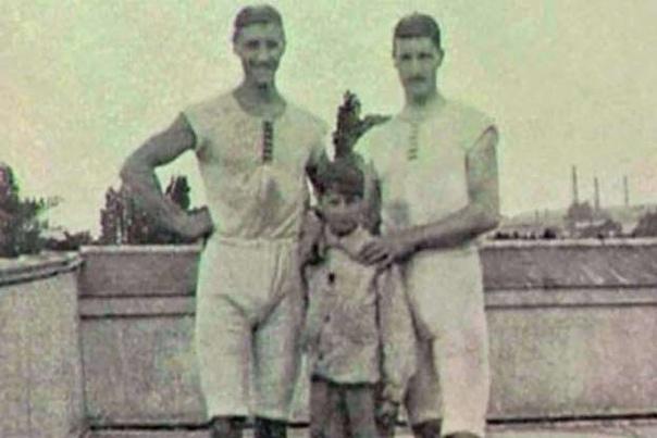 «НЕИЗВЕСТНЫЙ». ИСТОРИЯ ОЛИМПИЙСКОГО ЧЕМПИОНА, КОТОРЫЙ СБЕЖАЛ, ВЫИГРАВ ЗОЛОТО. Первые современные Олимпиады полны разных удивительных историй. Но в 1900 году в Париже во время соревнований по
