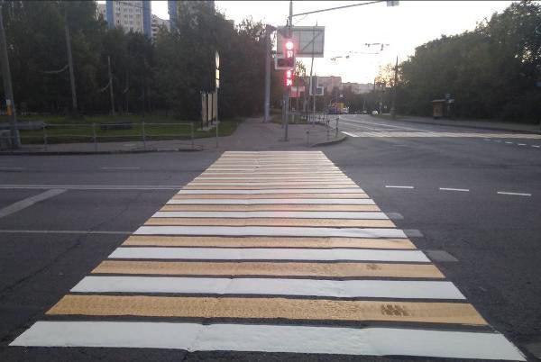 Разметку «зебра» нанесли заново на Беломорской улице