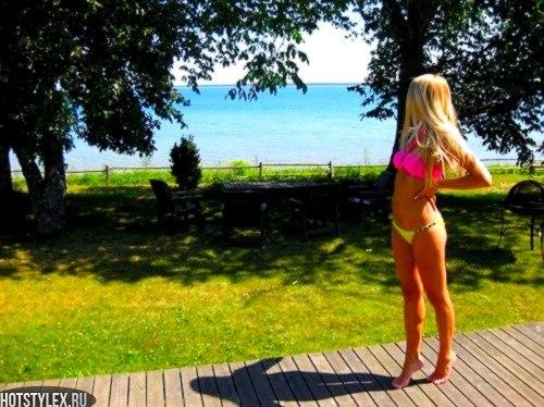 фото реальных девушек в купальнике блондинок