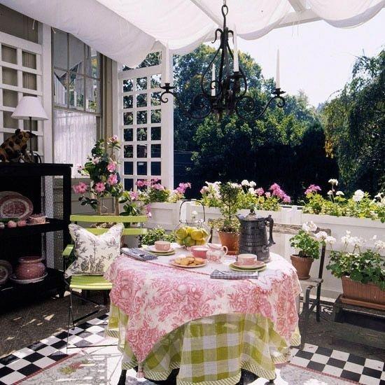 Жизнь на открытом воздухе. Садовые гостиные и столовые Умный дом — создаем уют с умом!