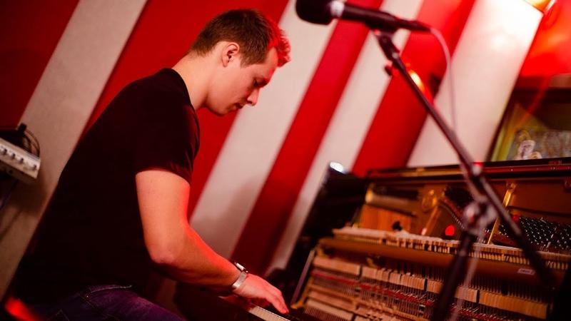 Alex Monfort 'Mulgrew's Mood'   Live Studio Session