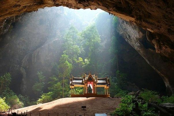 Потрясающая пещера Прайя Накхон в Таиланде