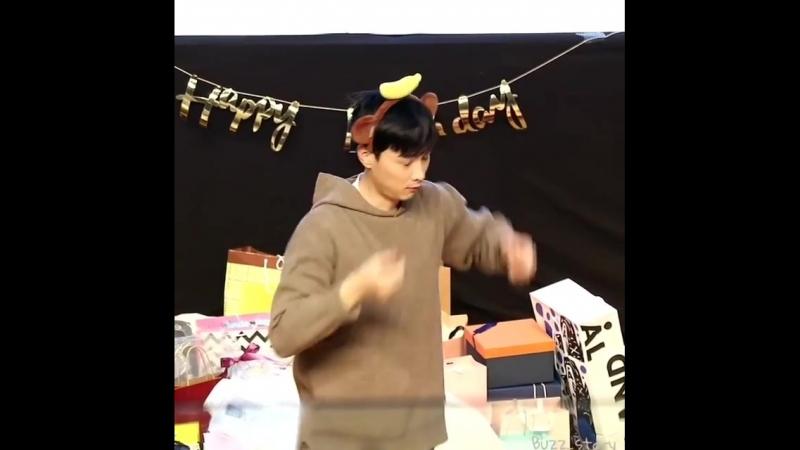 Kyunghoon Birthday Party 1003