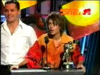 Децл и Шеff получили приз VMA MTV в Нью-Йорке от Moby (2000)