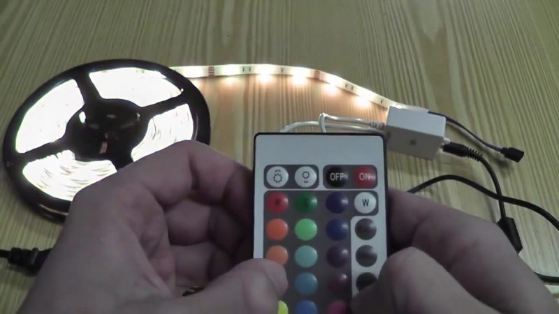 Видеообзор Многоцветной LED ленты (с контроллером на пульте) RGB 5050