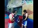 Молодой боксер выдержал все удары тренера