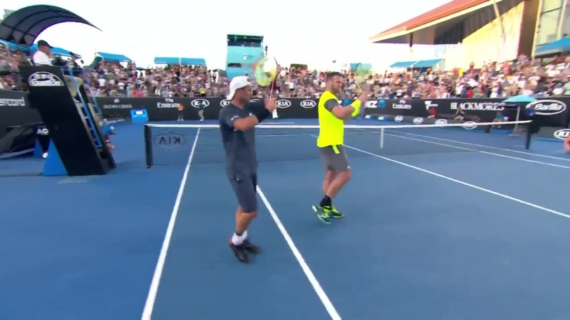 Groth/Hewitt through in straight sets