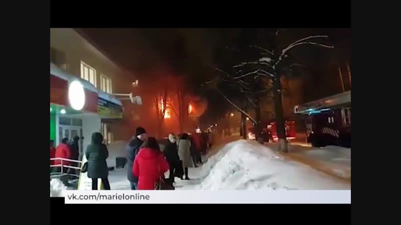 Неосторожное обращение с огнем стало причиной сильного пожара в Йошкар-Оле