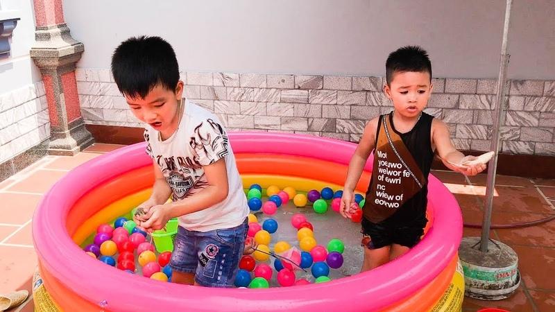 Trò Chơi Bắt Cá Thật Trong Bể Bơi ❤ Bé Minh Khoa ❤ Min Min TV ❤