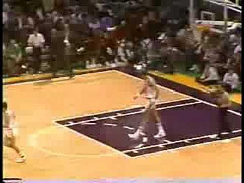 Michael Jordan Big Slam on Mark Eaton!