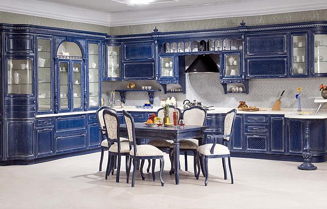 Кухня из дерева, синяя